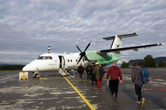 Widerøe flight 702 prepares to leave Trondheim for the two-hour flight to Bodø — with stops at Brønnøysund and Sandnessjøen along the way (photo © hidden europe).