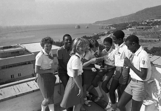Teenagers from the Soviet Union and Africa at Artek in summer 1982 (image from RIA Novosti).