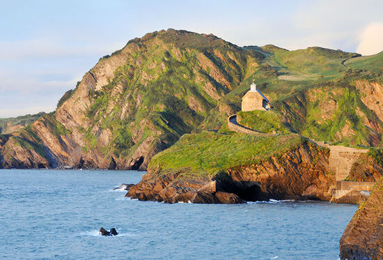 Sunset at the coast at Ilfracombe in Devon, England (photo © Ruth Lawton / dreamstime.com).
